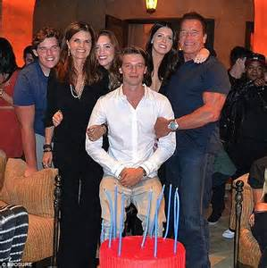 Arnold Schwarzenegger reunites with Maria Shriver for ...