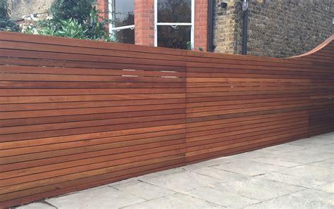 Hardwood Screen Trellis Fence Horizontal Slat Balau