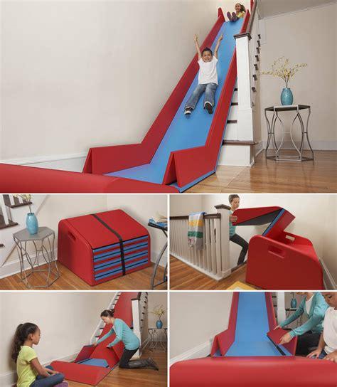 balancoire d interieur pour bebe un toboggan pour l escalier de la maison