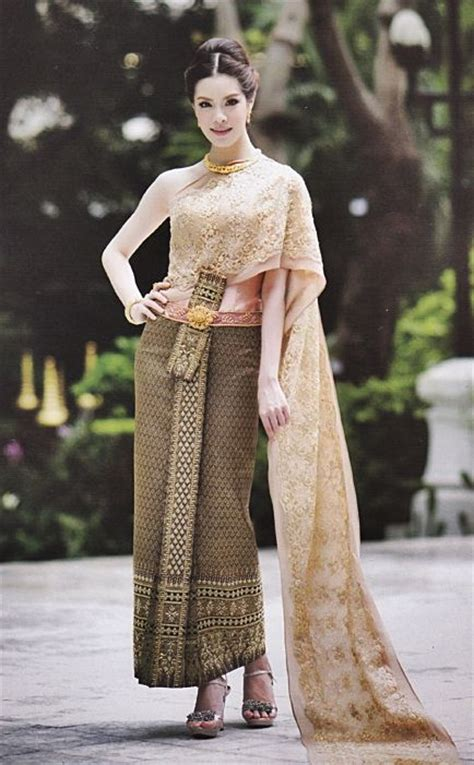347 best Thai traditional dress images on Pinterest | Thai dress Thai style and Thai ...