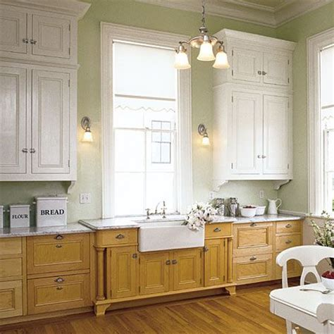 The small kit only has enough paint for two coats, so you run the risk of using up all your paint before the project is complete. light upper cabinets dark lower cabinets | kitchen ...