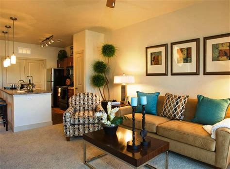 Small Room Design: decorating small living rooms on a