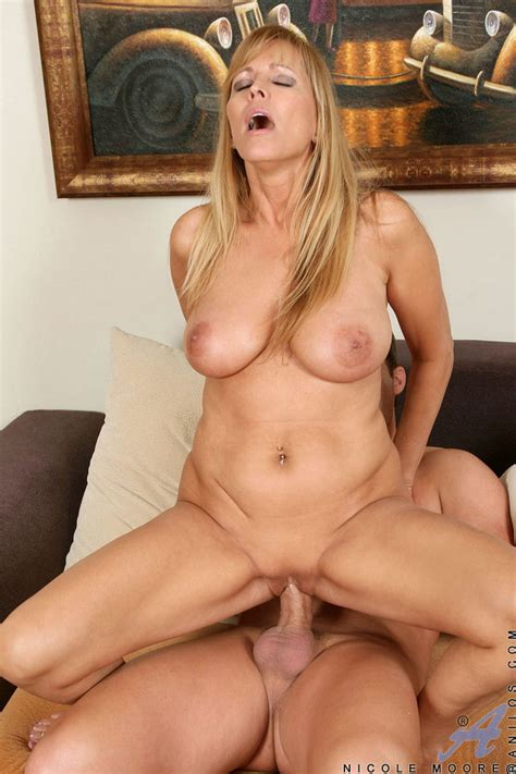 Mature Horny Photo Page 56