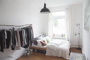 Bett Mit Kissen : die besten 25 wg zimmer ideen auf pinterest zimmer einrichten wg zimmer einrichten ideen und ~ Yasmunasinghe.com Haus und Dekorationen