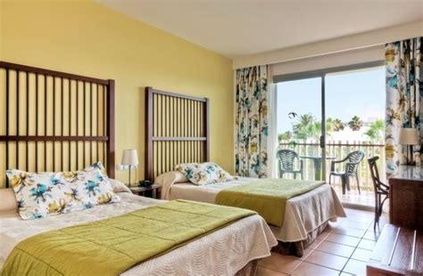 hotel entree port aventura hotel caribe 4 avec une entree a land et l acces illimite a port aventura park port