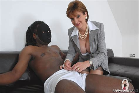 British Classy Business Woman Milf Gives A Black Cock A Handjob Pichunter
