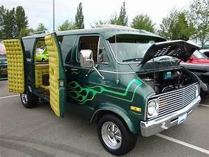 1977 Dodge 200 Tradesman Van  U0026quot Custom U0026quot