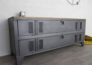 Meuble Tv Casier Industriel : meuble tv industriel avec ancien vestiaire 2 portes cr ation restauration de meuble ~ Nature-et-papiers.com Idées de Décoration