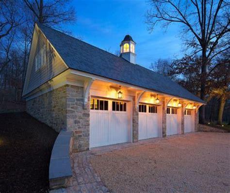 brakets flanking   car garage  dash  craftsmen style httpwwwwholesalemillworkcom