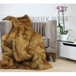 Couverture Fausse Fourrure : plaid couverture en fausse fourrure renard roux 150x180cm dolsen design ~ Teatrodelosmanantiales.com Idées de Décoration