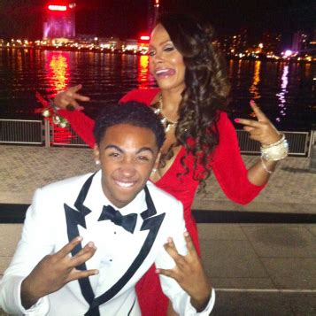 promtastic evelyn lozada plays prom date  detroit high