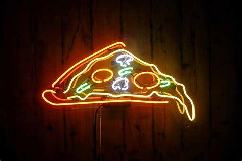 pizza desktop neon sign petagadget