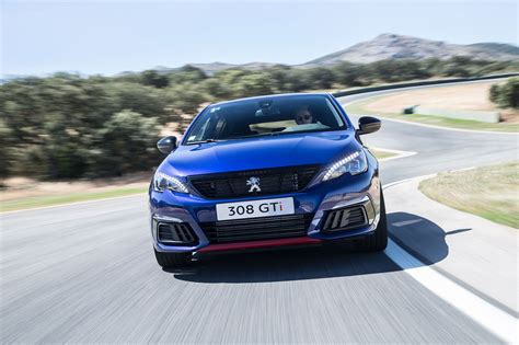 peugeot gti peugeot 308 gti facelift 2017 review by car magazine