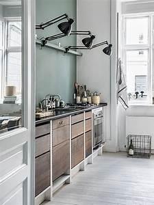 cuisine esprit vintage avec mur vert d39eau With deco cuisine avec lit À eau
