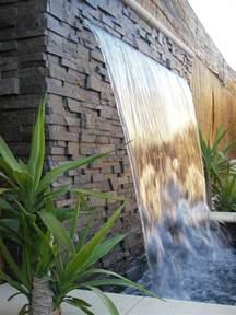 Comment Fabriquer Une Le En Bambou by D 233 Coration De Jardin Avec Une Fontaine Pour Bassin