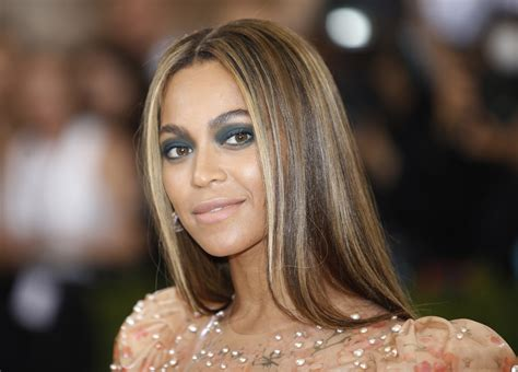 Beyonce Rep Slams Lip Injection Claims