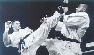 Hammerkick archief : Andy Hug, kyokushin's tijdbom uit de ...