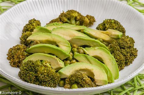 cuisiner le brocolis frais salade de brocolis petits pois avocat kilometre 0 fr