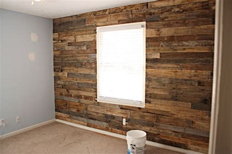 diy accent wall ideas super fun old barn wood projects pinterest pallets accent walls and diy