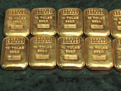 the bullion desk pakistan gold price drops by rs 1800 per tola in pakistan samaa tv