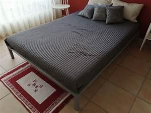 Bett Inkl Matratze : bett 140x200 inkl matratze kaufen auf ricardo ~ Watch28wear.com Haus und Dekorationen