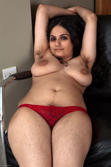 Rani - Free Naked Hairy Photos!