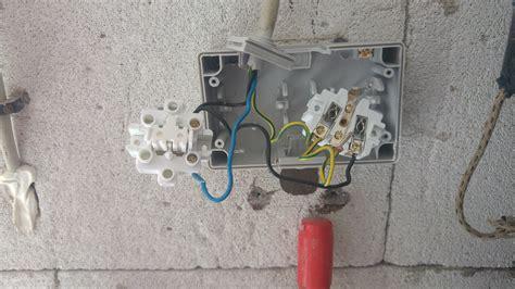 lichtschalter anschließen 3 adern problem mit schalter steckdosen kombination an 3 adriger