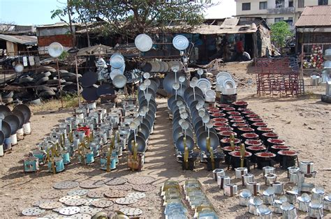 filepots  pans market kenyajpg wikimedia commons