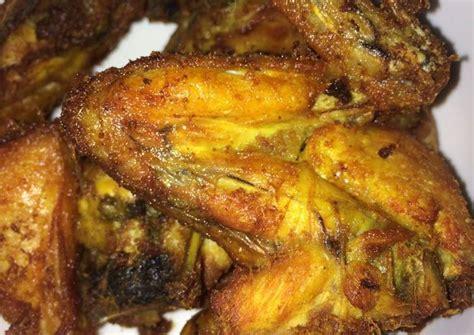 Inilah rahasia membuat bumbu opor ayam kuah kuning pedas sederhana perlu juga sekali waktu mencoba resep masakan ayam kreasi baru, tidak benar benar baru sih sebetulnya yakni ayam goreng, namun demikian resep. Resep Ayam Goreng Ungkep Bumbu Kuning oleh Bidadari ...