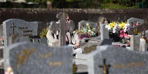 Marseille : un couple de retraités agressé dans un cimetière