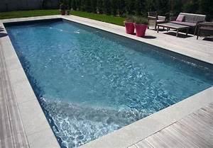 le gris anthracite donne un aspect tres contemporain au With piscine liner gris anthracite