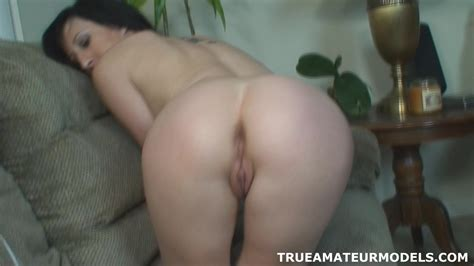 Amateur Nude Modeling Butt Crack Spreading Teen Porn