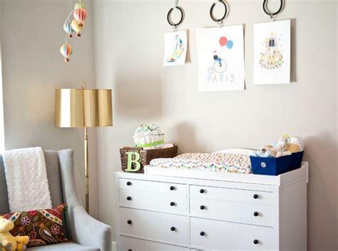 décorer une chambre de bébé decorer une chambre bebe 3 tableau peinture pour
