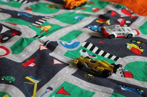 tapis route pour petites voitures les 25 meilleures id 233 es de la cat 233 gorie tapis voiture enfant sur tapis voiture jouet