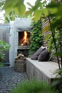 Feuer Kamin Garten : ein geselliges feuer an einem schw len sommerabend 8 inspirierende feuerplatzideen f r den ~ Frokenaadalensverden.com Haus und Dekorationen