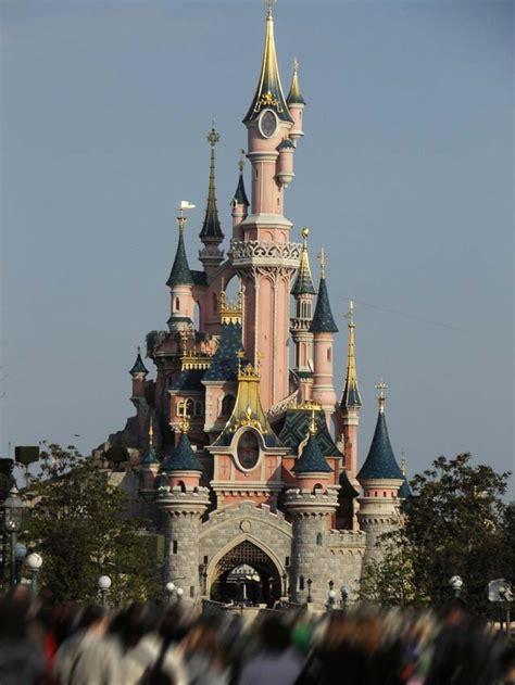 chateau de la belle au bois dormant fantasyland parc