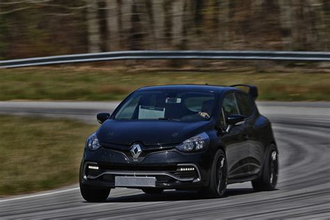 Renault Clio Rs by Renault Reveals Hotter Clio Rs 16 Goauto