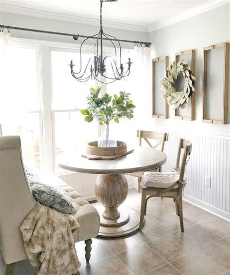Plum Pretty Breakfast Nook ? Plum Pretty Decor and Design