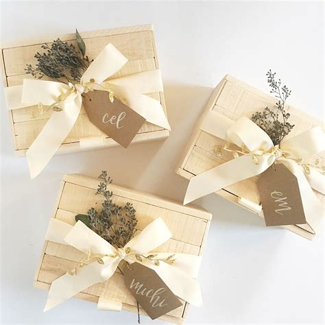 wooden gift box packaging  calligraphy tag  box
