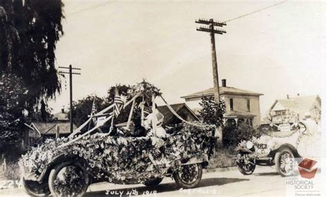 July 4, 1919 Corvallis, Oregon P.E.O. parade float ...