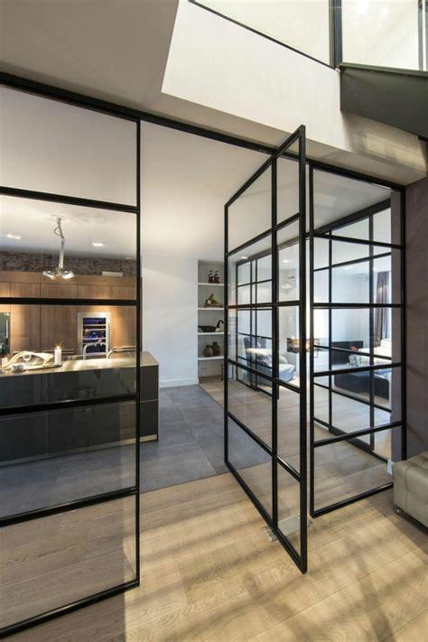chambre a coucher contemporaine la cloison vitrée intérieure pour un espace original