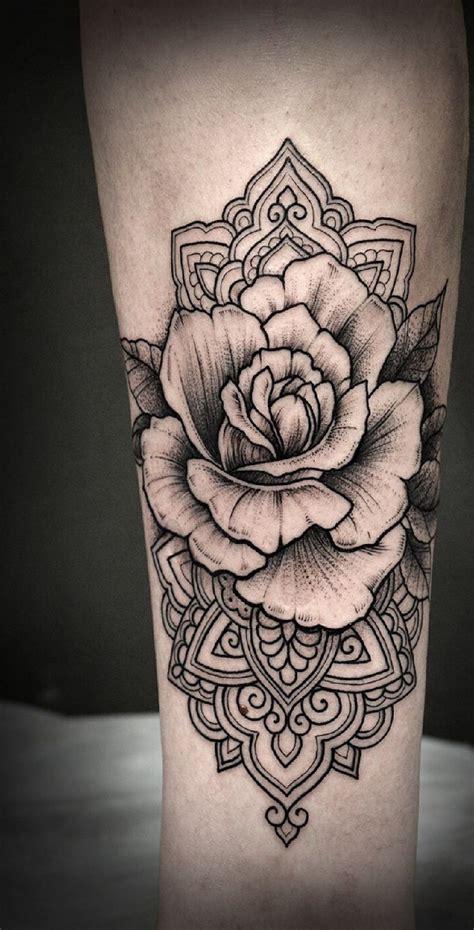 Tatuajes de rosas ideas diseños y significado Tatuajes