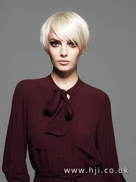 neat platinum blonde cropped bob hairstyle  wide side parting hji
