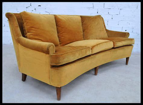 canapé ancien velours mobilier vintage meubles vintage ées 50 et 70 meuble