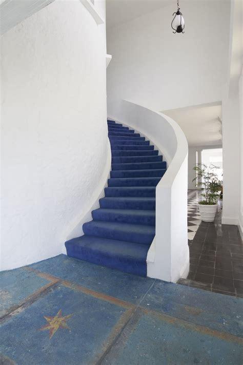 statement  large floor tiles