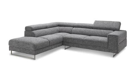 salon avec 2 canap駸 canape avec 2 angles maison design modanes com