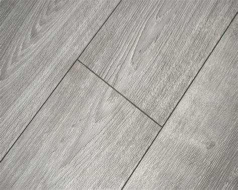 tile effect laminate flooring  bathrooms loccie