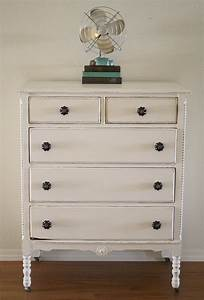 Shabby White Dresser {With Chalk Paint}