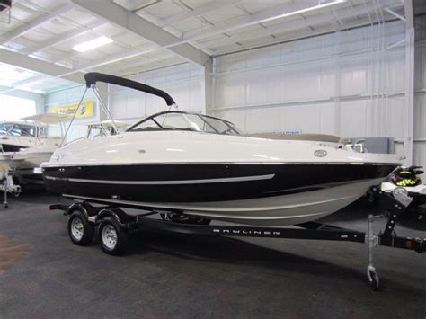 Deck Boat Or Bowrider by 2016 New Bayliner 215 Deck Boat Bowrider Boat For Sale