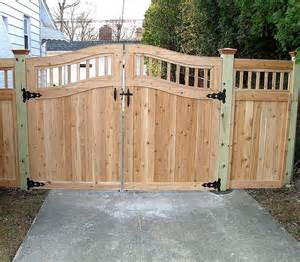 Image of: Wooden Gate Picture Some Collections Of Wood Fence Designs And How To Build It